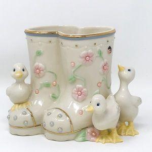 Lenox Fine Porcelain Petals & Pearls Duck Vase